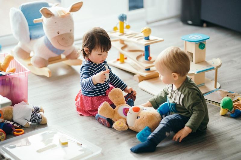 Dlaczego warto wybierać kreatywne zabawki dla dzieci?